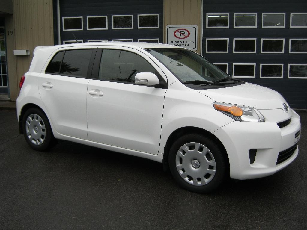Photo - Scion XD 2013