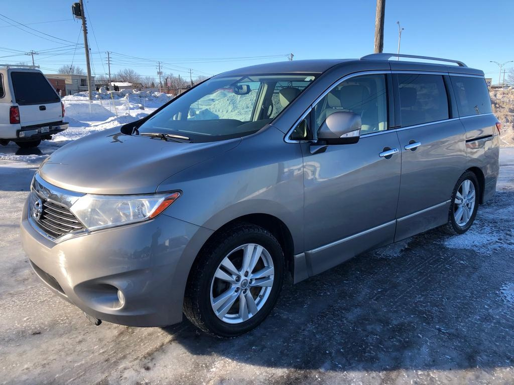 Photo - Nissan Quest 2012