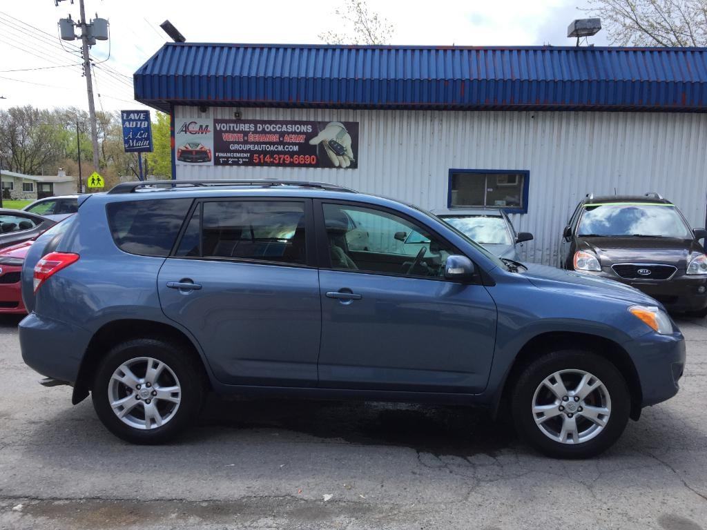Photo - Toyota RAV4 2011
